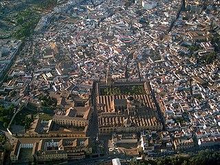 Mezquita Córdoba foto aérea.jpg