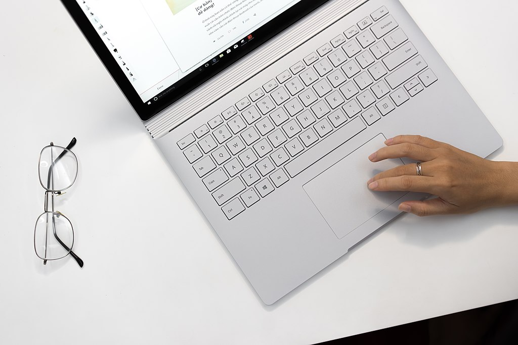 Picture of a Surface Book. Not so suitable for deep learning but still an option.