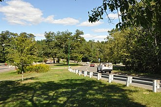 Middlesex Fells Reservation Parkways - Image: Middlesex Fells Woodland Road