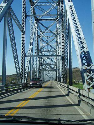 Milton–Madison Bridge - Image: Milton Madison Bridge structure