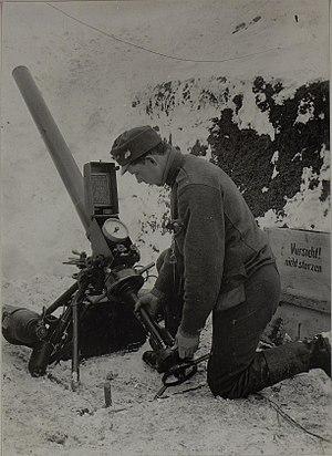 10.5 cm Luftminenwerfer M 15 - Image: Minenwerfer beim Honved Inf.Rgt.Nro.30 in Rarancze. (Bild ID 15448914)