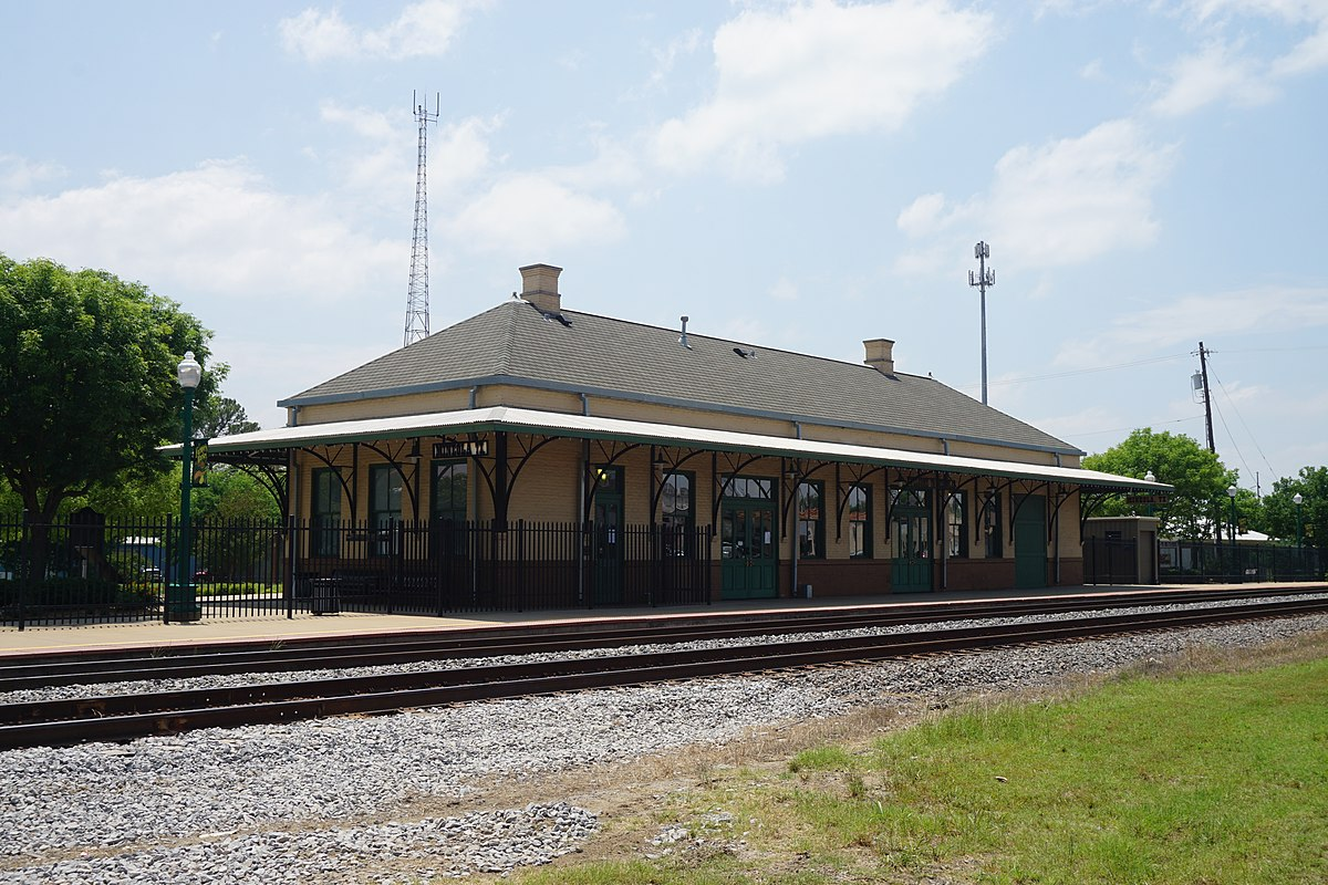 Mineola station texas wikipedia for Build on your lot east texas