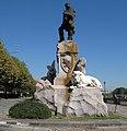Monumento a Garibaldi - Torino - Lato destro.jpg
