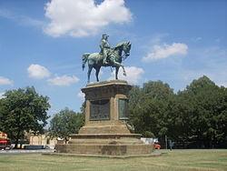 Il monumento a Vittorio Emanuele II, un tempo al centro di Piazza della Repubblica