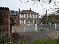 Mouchy-le-Châtel mairie.JPG