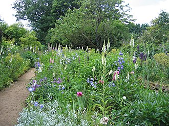 Munstead Wood - The summer garden, 2009
