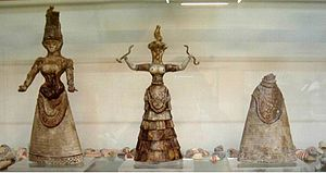 Minoan snake goddess figurines - Minoan Snake Goddess figurines c 1600 BCE. Heraklion Archaeological Museum