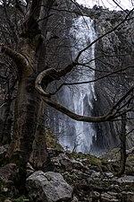 Nacimiento del Asón. Cascada. Cantabria.jpg