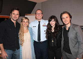 Nashville (2012 TV series) - Master Sgt. Harry Kibbe flanked by Nashville cast members, from left, Charles Esten, Clare Bowen, Aubrey Peeples and Jonathan Jackson, in 2014