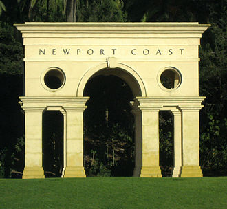 Newport Coast, Newport Beach - Newport Coast arch along the Pacific Coast Highway
