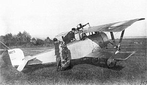 Nieuport 17 - Russian Nieuport 21 equipped with non-standard Hotchkiss M1909 machine gun