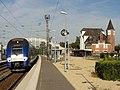 Noyon (60), gare SNCF, train TER au départ pour Saint-Quentin voie 1 2.jpg