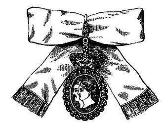 Royal Family Orders of the United Kingdom - The insignia of ladies of the second class of the Royal Order of Victoria and Albert.