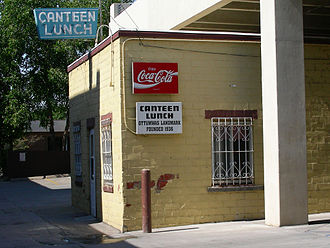 Ottumwa, Iowa - View of Canteen Lunch in the Alley