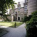 Overzicht van de binnenplaats, geheel rechts de ronde toren - 's-Gravenhage - 20387564 - RCE.jpg