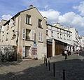 P1270082 Paris XVIII rue La Vieuville rwk.jpg