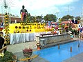 PHRAYA PICHAI DAP HAK MONUMENT - panoramio (1).jpg