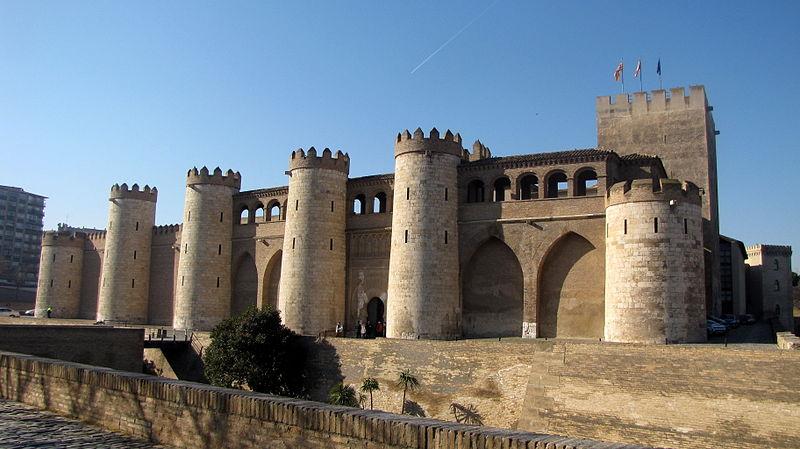 File:Palacio de la Aljafería.JPG