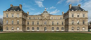 Palais du Luxembourg, South View 140116 1.jpg