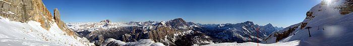 Panorama di Cortina dalla Tofana di Mezzo