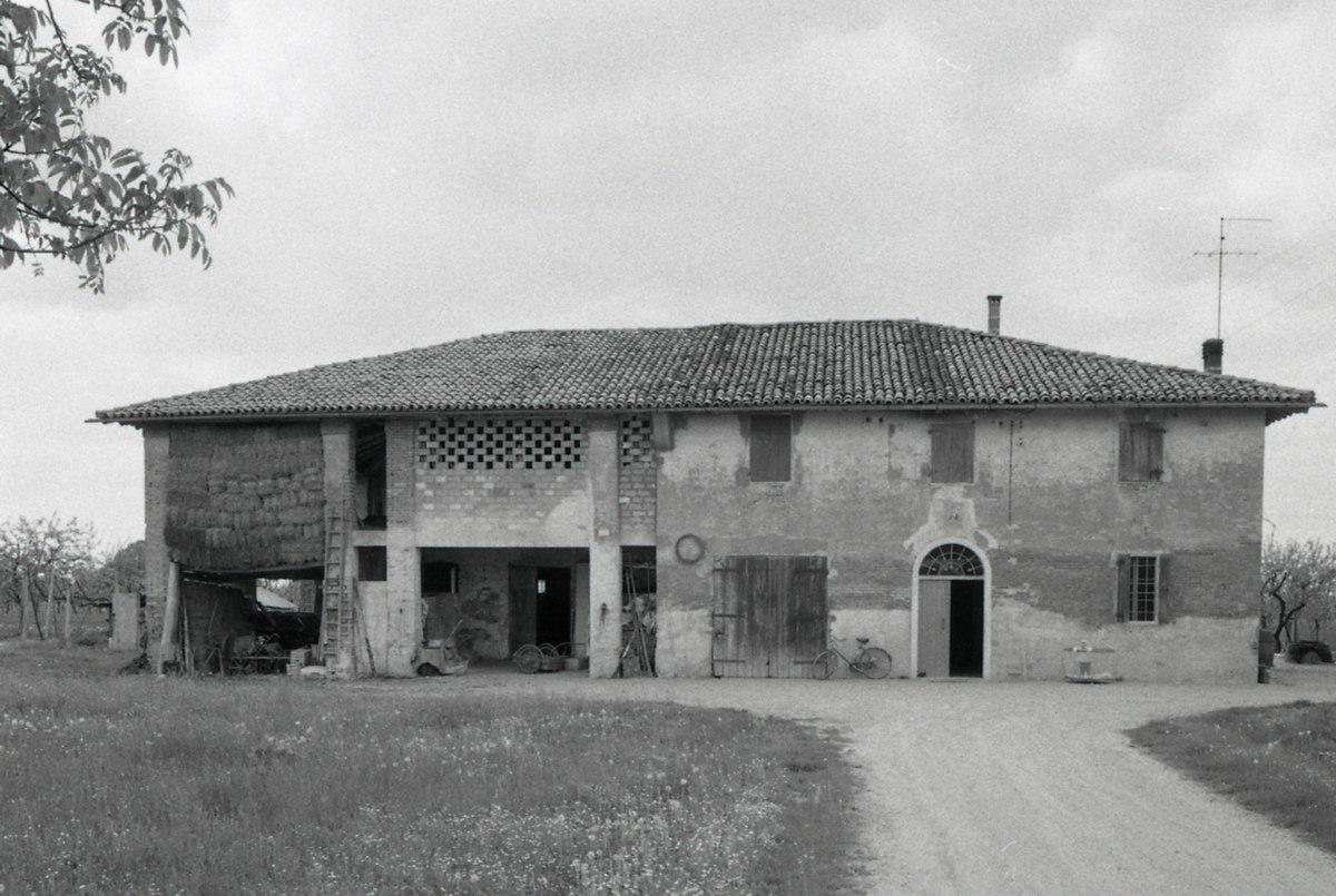 Casa colonica wikipedia for Casa colonica coloniale