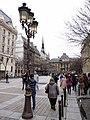 Paris 75004 Rue de Lutèce west 20120101 Париж (02).jpg
