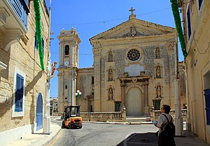 Parish church Attard Malta 2014 1.jpg
