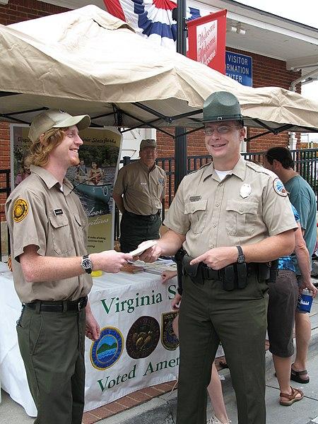 File:Park Staff at Appomattox Railroad Festival 2009 (5327923418).jpg