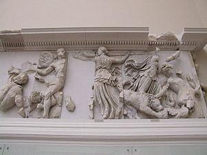 Asteria (Titaness) - Image: Pergamonmuseum Antikensammlung Pergamonaltar 27