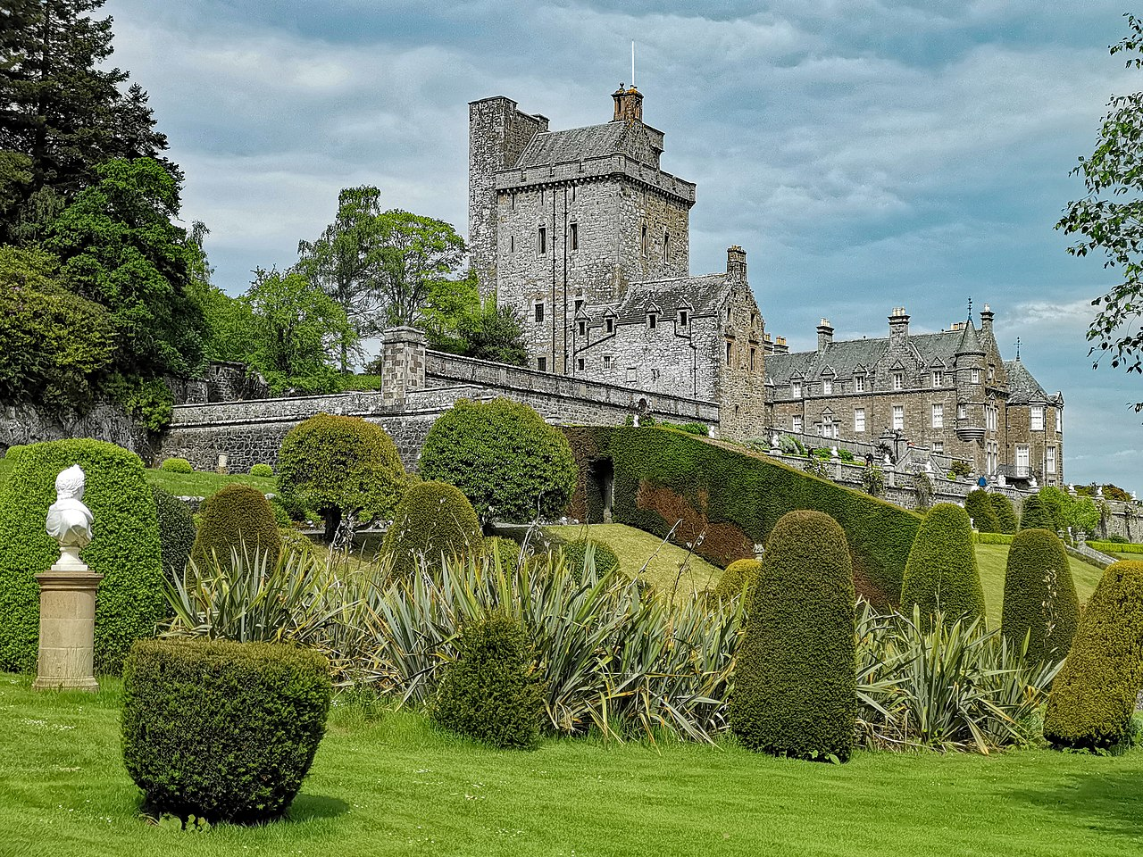 view of Drummond Castle from the gardens