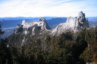 Pre-Pyrenees - Image: Pic de Bugarach 1