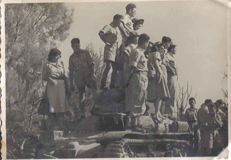 קבוצת חיילים מגדוד 19, גדוד הפשיטה הממוכן של גולני