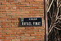 Placa de la calle Rafael Finat - 03 (7 de febrero de 2016, Madrid).JPG