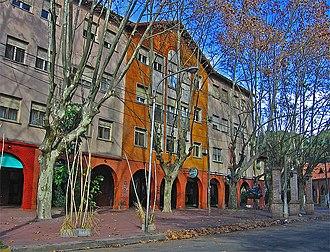 Ciudad Jardín Lomas del Palomar - Plaza Plate (Plate Square) on a cold autumn morning