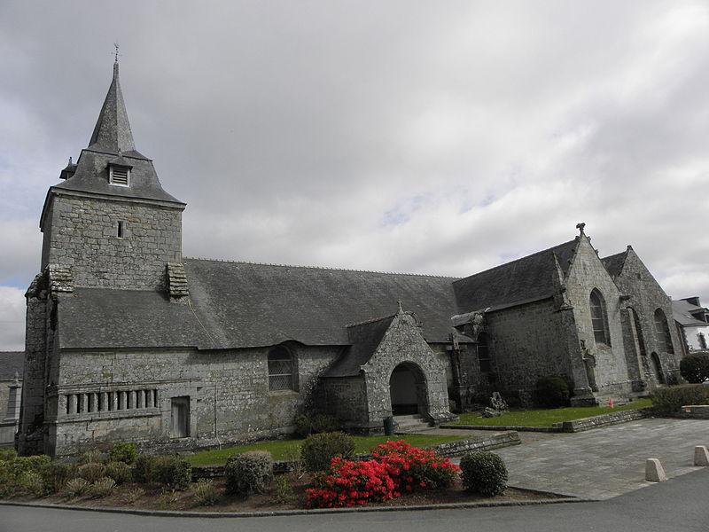 Église Saint-Pierre de Ploërdut (56). Vue méridionale.