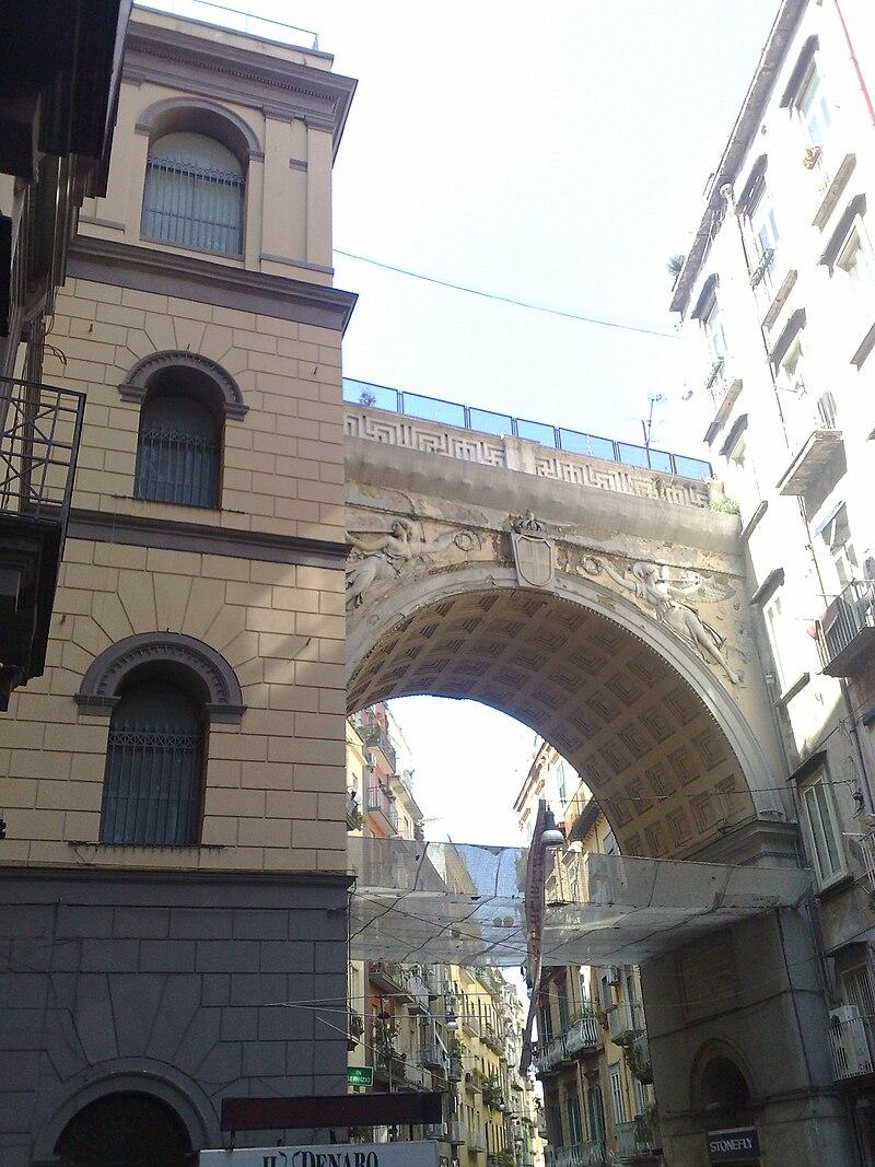 PonteChiaiaNapoli2.jpg