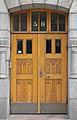 Porte d'entrée d'Immeuble du quartier Katajanokka (Helsinki).jpg
