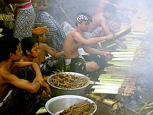 Balinese theatre - Image: Preparing The Feast