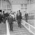 President Bourguiba in gezelschap van prinses Margriet bezoek aan Rotterdam, rec, Bestanddeelnr 919-3367.jpg
