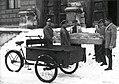 Prevoz mumije na rentgensko slikanje v vojaško bolnico Mladika leta 1953.jpg