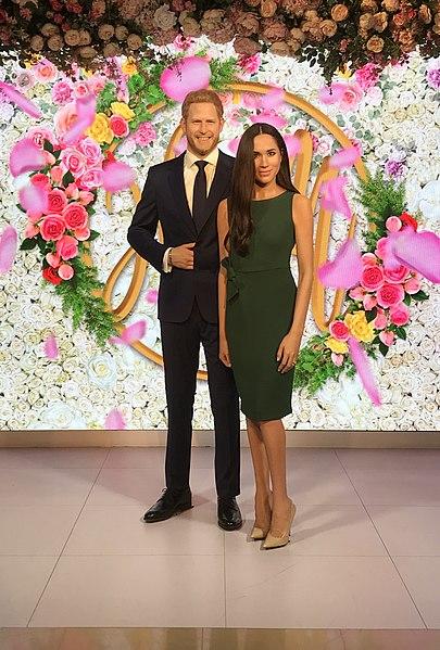 File: Prince Harry e Meghan Markle no Madame Tussauds em Londres 2019-07-17.jpg