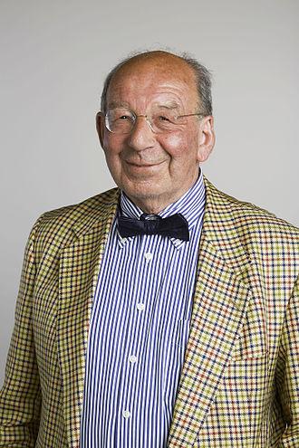 Mark Achtman - Mark Achtman in 2015, portrait via the Royal Society