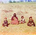 Prokudin-Gorsky. Kurd woman with children. (Artvin).jpg