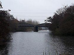Rail bridge over the River Thames, carrying the Cherwell Valley line 02.jpg
