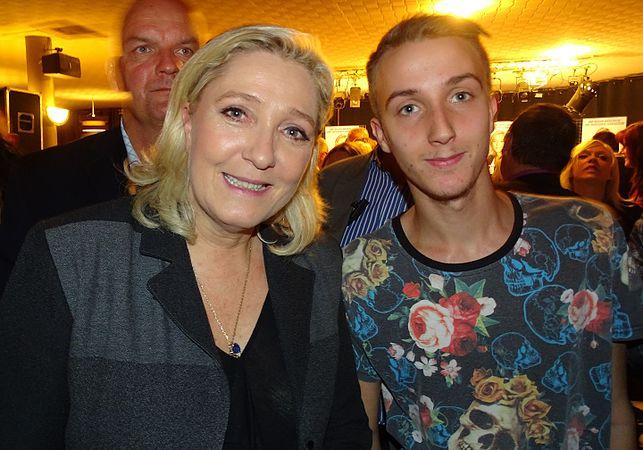 Raismes - Meeting de Marine Le Pen le 16 octobre 2015 sur l'élection régionale en Nord-Pas-de-Calais-Picardie (27).JPG