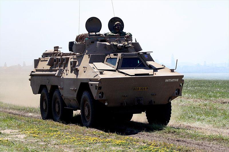 الجيش العربي الموحد 800px-Ratel_6X6_APC_%289686194015%29