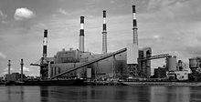 Ravenswood power plant.jpg