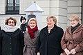 Regjeringen utenfor slottet. Foto- Liv Aarberg - 32993891458.jpg
