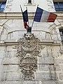 Relief et drapeau (pompiers) Rue Rabelais (Lyon) (2).jpg