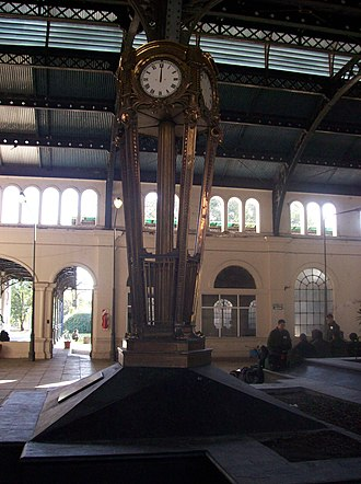 Tucumán Mitre railway station - Station hall and clock.